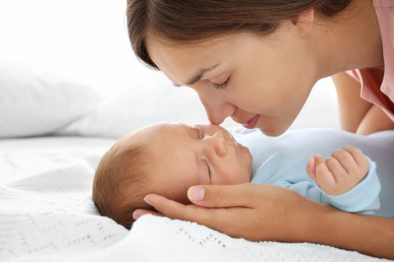 Baby Schläft Tagsüber Nur Im Tragetuch